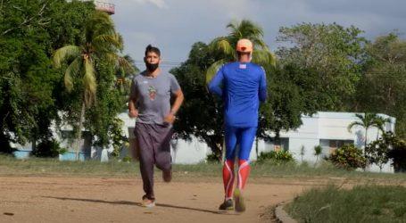 Prvak u trčanju natraške Wilfredo Díaz kaže da taj sport ima brojne prednosti za zdravlje