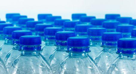 Učenici iz Zadra profesorici ulili dezinficijens u bocu s vodom. Popila ga je i završila na hitnoj