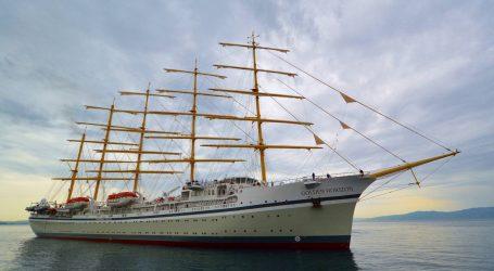 Iz splitskog škvera isplovio najveći jedrenjak na svijetu
