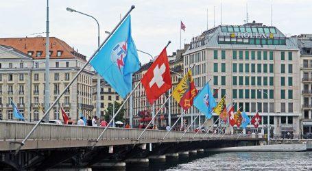 Švicarci glasaju o nizu vrućih pitanja: Zabrani pesticida, suzbijanju pandemije i mjerama protiv terorizma