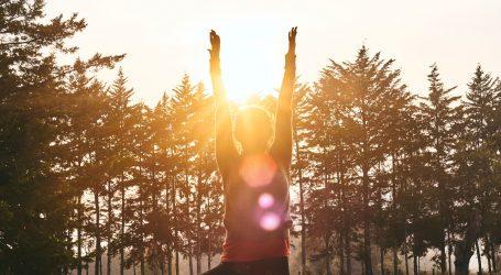 Pozdrav Suncu i ljetu uz jednostavne vježbe joge