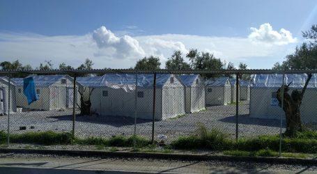 Grčka počela cijepljenje protiv Covida-19 u izbjegličkim kampovima