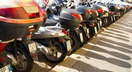 Pariz od iduće godine uvodi naplatu parkinga za motoriste