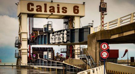 Francuska uklonila migrantski kamp kod Calaisa