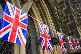 """Britanska kraljevska obitelj """"presretna"""" zbog rođenja kćerkice Harryja i Meghan"""