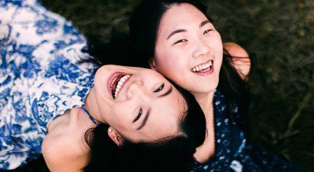 Uz vježbe na treningu kineske grupe obavezna je i terapija smijehom