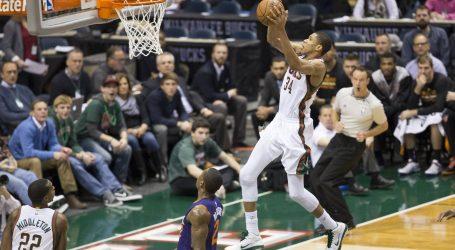 NBA finale: Milwaukee poveo 3-2 protiv Phoenixa, alley-oop Giannisa Antetokounmpa za pobjedu