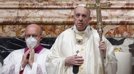 Papa Franjo dobro se oporavlja nakon operacije, nalazi su mu uredni