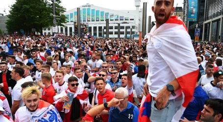 """Engleski navijači """"okupirali"""" London, pojedine skupine sukobile se s osiguranjem"""