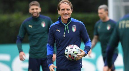 """Mancini želi osvojiti naslov sa stilom: """"Moj tim pruža zabavu za sve koji vole nogomet"""""""