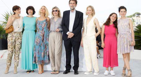 Talijani slave u Cannesu, Francuzi se tuku, pljačkaši otimaju nakit