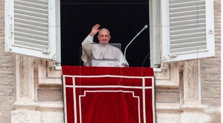 Papa Franjo primljen u bolnicu, ima zakazanu operaciju na debelom crijevu