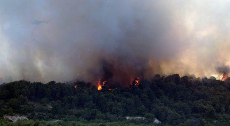 Požari na Čiovu stavljeni pod kontrolu, veću katastrofu spriječile zračne snage