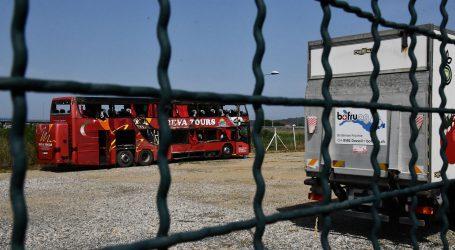 Prema osječkom aerodromu i za Prištinu otputovala 22 putnika iz kosovskog autobusa