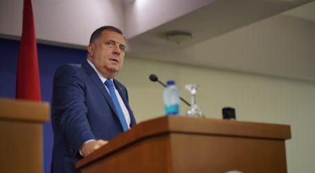 "Dodik: ""Christian Schmidt lažno se predstavlja kao visoki predstavnik"""