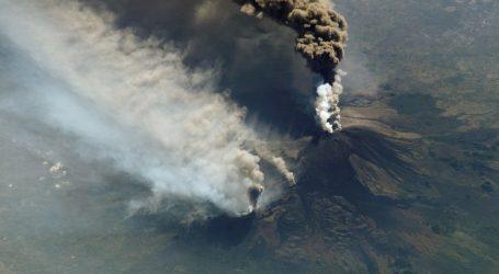 Aerodrom u Cataniji zatvoren, pepeo nakon erupcije Etne prekrio pistu