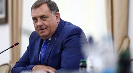 """Dodik ponovno zanijekao genocid u Srebrenici: """"Na memorijalnom groblju pokapaju se prazni ljesovi, sve je to američka izmišljotina"""""""