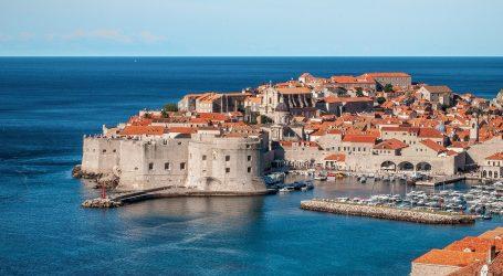 Onečišćeno more na plaži Hotela Dubrovnik President
