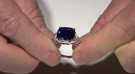 Monaco: Na aukciji za 2,7 milijuna eura prodan plemićki prsten sa safirom