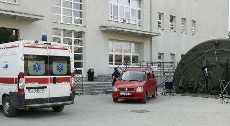"""Raspad u sisačkoj bolnici: Bolesna curica infuziju satima primala na hodniku. """"Imamo četiri kreveta, puni su"""""""