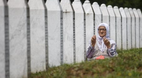 Devetnaest žrtava genocida u Srebrenici u nedjelju će biti pokopano u Potočarima, najmlađi je imao 16 godina