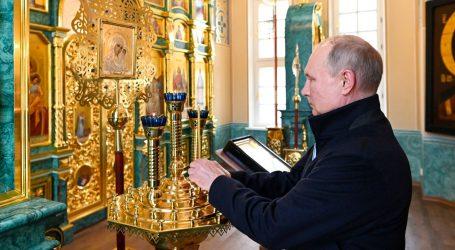 MAŠA ALJEHINA 2017.: 'Putin zloupotrebljava Crkvu da bi pokazao kako njegova moć dolazi od Boga'