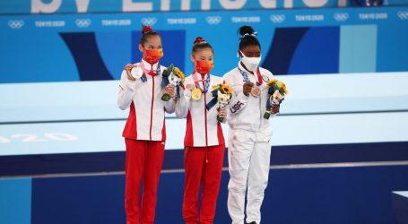 Simone Biles osvojila broncu na gredi, zlato Kineskinji