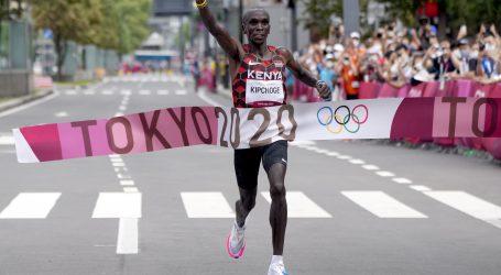 """Eliud Kipchoge: Kroz """"tavu za prženje"""" do drugog olimpijskog zlata u maratonu"""