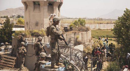 Masud poručuje da neće predati svoja područja, talibani optužuju Amerikance za kaos u zračnoj luci u Kabulu