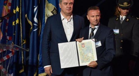 """Udruga bošnjačkih ratnih zatočenika iz Stoca """"razočarana"""" Milanovićevim odlikovanjem postrojbi HVO-a"""
