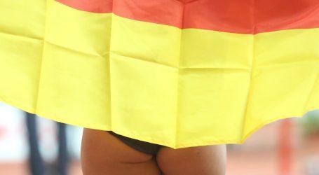 Nekoliko tisuća Nijemaca prosvjeduje protiv epidemioloških mjera