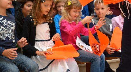 Češka će testirati sve učenike na koronavirus