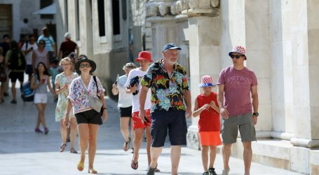 """Plenković: """"Turistička sezona je iznad očekivanja, brojevi fiskalizacijesu izvrsni"""""""