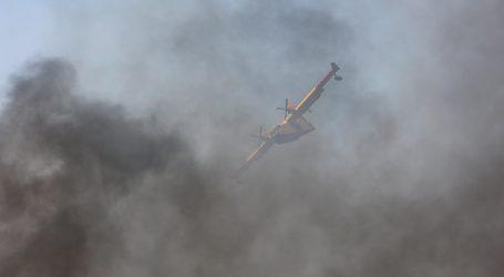 Najveći požar u Francuskoj još uvijek nije pod nadzorom, gasi ga više od 1300 vatrogasaca, sedam zrakoplova i četiri helikoptera