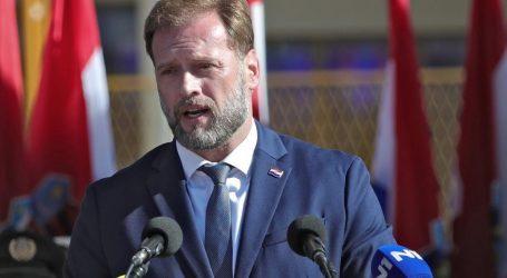 """Ministar Banožić: """"Problemi migrantskih kriza riješit će se puno prije hrvatskih granica"""""""