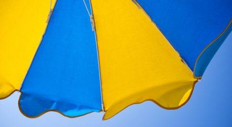 Udarni vikend: Na Makarskoj rivijeri odmara 62 tisuće gostiju, gužve na cestama, trajekti puni
