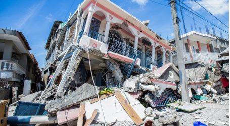 Razorni potres na Haitiju ubio više od 300 ljudi, za mnogima se još traga