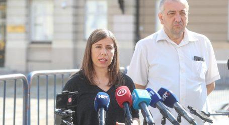 """Katarina Peović prozvala Vladu zbog stečaja tvornice Orljava: """"Ministar Horvat vodi 'business as usual', znači ne radi ništa"""""""