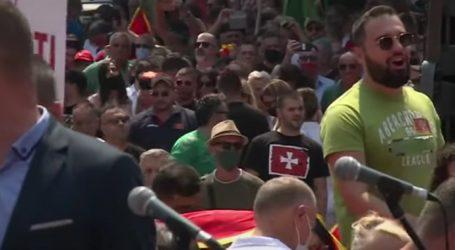 """Tisuće Crnogoraca prosvjeduje: """"Nećemo dozvoliti ustoličenje mitropolita SPC na Cetinju"""""""