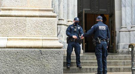 Njujorški policajci na dužnosti moraju biti cijepljeni ili nositi masku