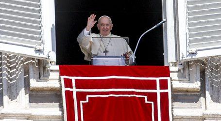 Papa moli za prihvat izbjeglica i za mogućnost obrazovanja mladih Afganistanaca
