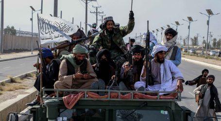 Veliki mimohod talibana Kandaharom u američkom vojnim vozilima