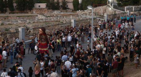 Okružen visokim ogradama od bodljikave žice: Na grčkom otoku Samosu otvoren novi izbjeglički kamp