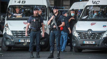 """Počelo suđenje za terorističke napade u Parizu, Salah Abdeslam poručio: """"Samo je jedan Bog – Alah!"""""""