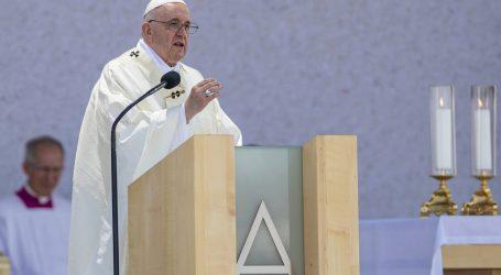 Papa kaže da država može prihvatiti pobačaj i istospolne brakove, ali crkva ne