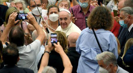 """Papa hvali klimatske aktiviste: """"Mora postojati harmonija ljudi i okoliša"""""""