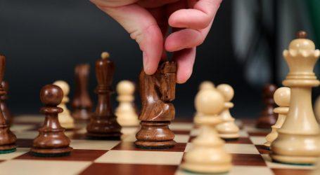 "Netflix 'drsko i namjerno' lagao u hit seriji ""Damin gambit""? Gruzijska šahovska ikona traži 5 milijuna dolara odštete"