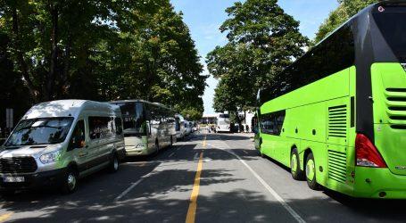 Talačka kriza u Njemačkoj: Naoružana osoba preuzela autobus, vozača držao za taoca