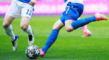 Odgođeni derbi Hajduka i Dinama igrat će se tek na proljeće