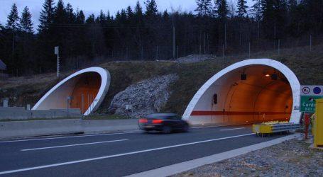 """Strašna nesreća u tunelu Čardak na A6: """"Kombi je zdrobljen, vozaču nažalost nije bilo spasa"""""""